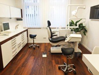 Fußboden Hofmann ~ Zahnarztpraxis